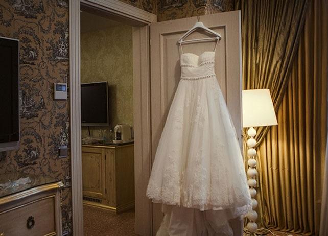 Чистое свадебное платье