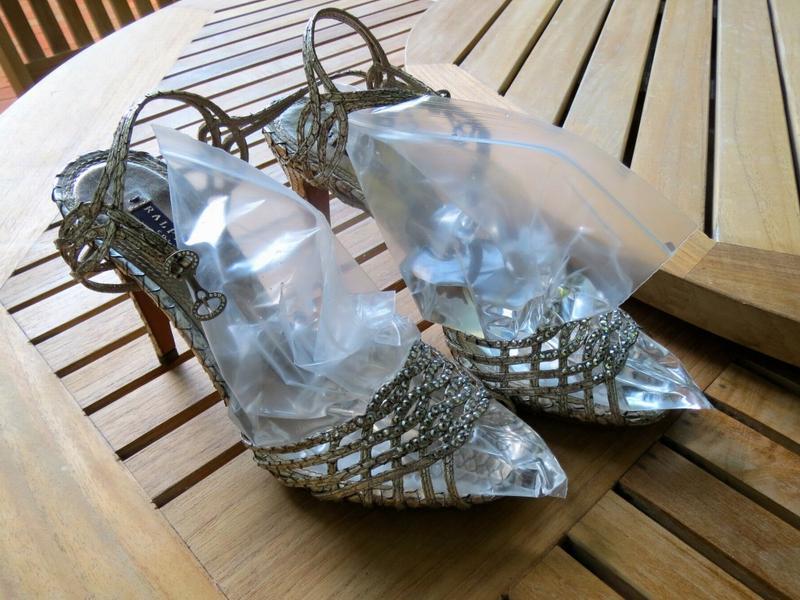 Растягивание туфель с помощью заморозки