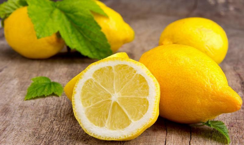 Лимон эффективен против запаха краски