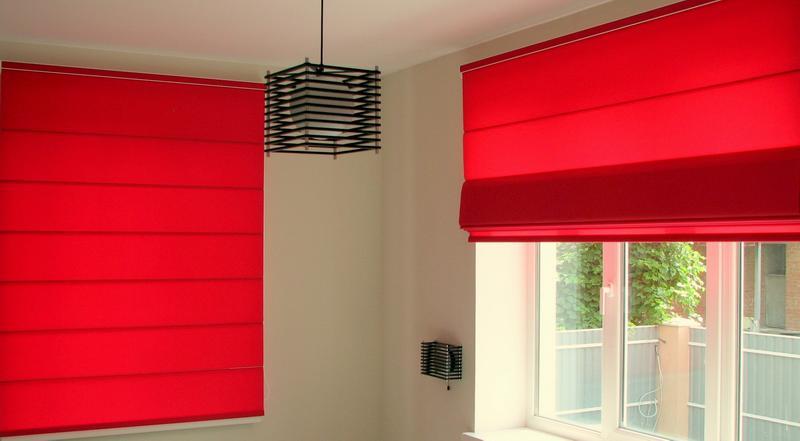 Рулонные шторы в доме