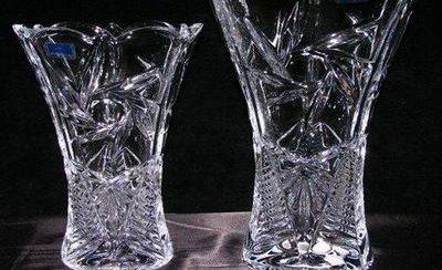 Как почистить хрустальную вазу от белого налета