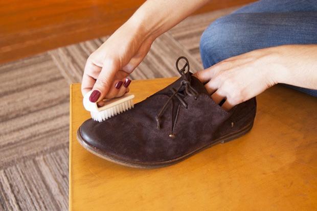 Чистка кроссовок из замши
