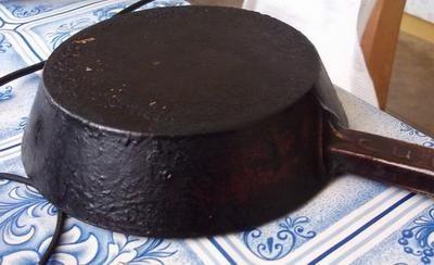 Чистка сковороды от жира