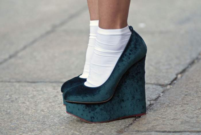 Замшевая обувь на носки