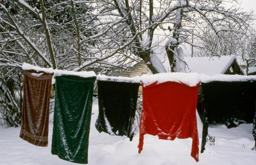 Вывешивание одежды на морозе