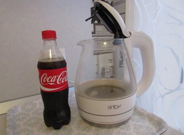 Кока-кола против запаха в чайнике