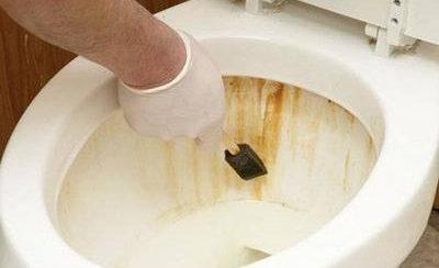 Чем удалить ржавчину в унитазе