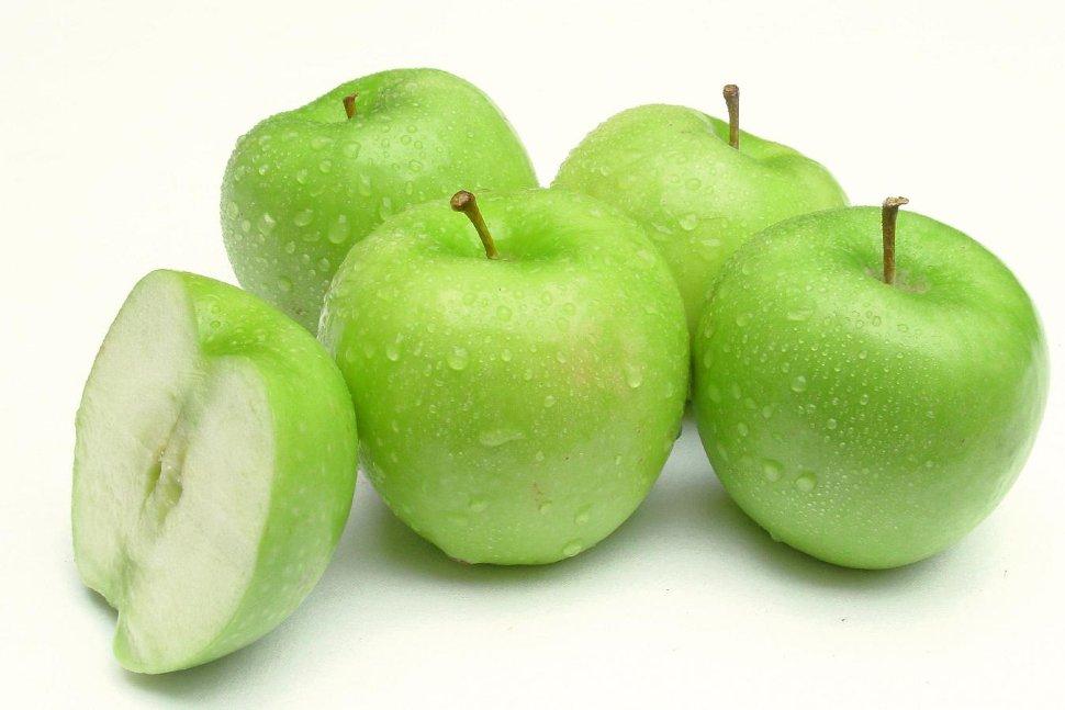 Яблоки кислого сорта