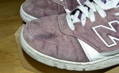 Как постирать замшевые кроссовки